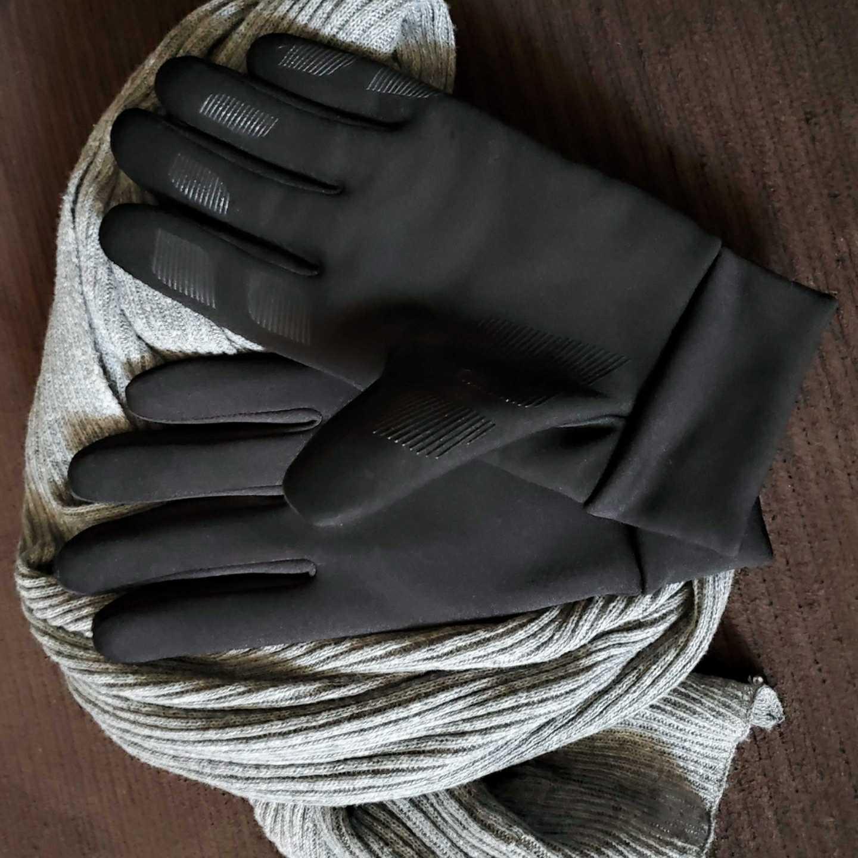 Vaughn Lowery, 360 MAGAZINE, skiing, gloves, scarves