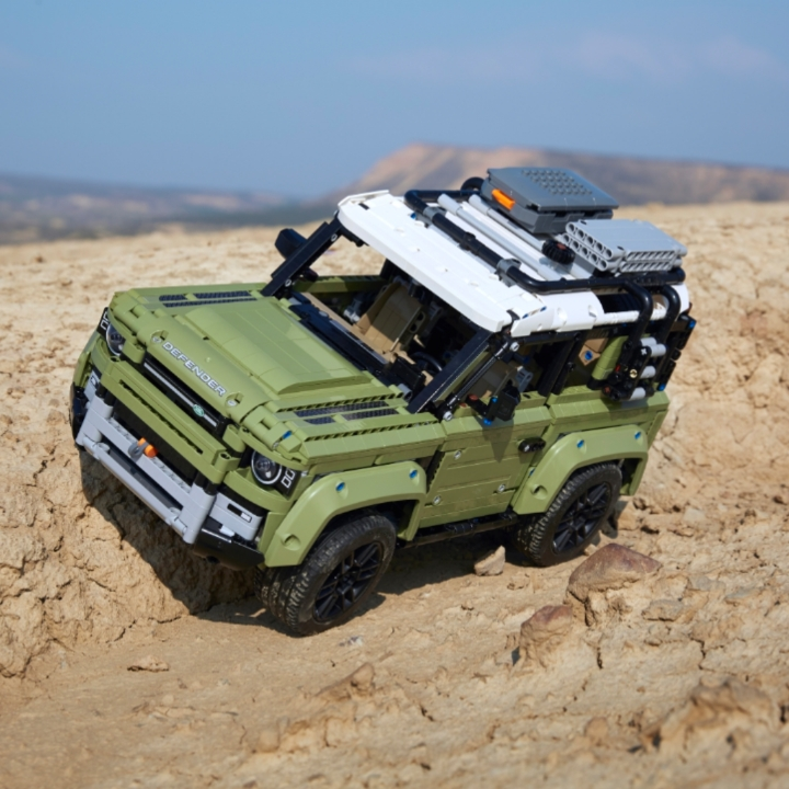Lego, Land Rover Defender, 360 MAGAZINE