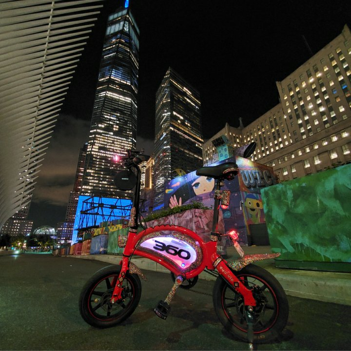 Vaughn Lowery of 360 MAGAZINE drops by world trade center on 9/11 in nyc.