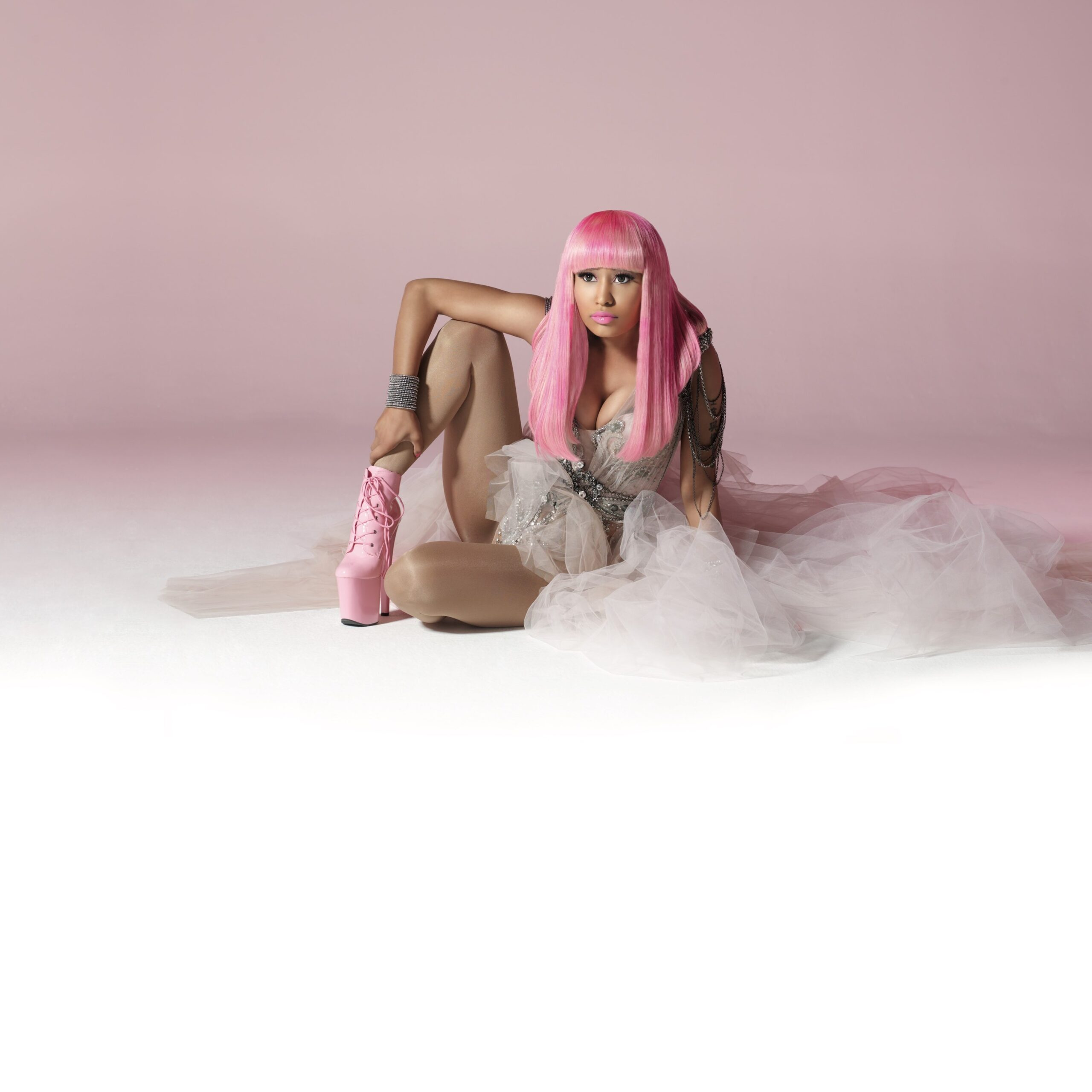 Nicki Minaj re-releases Pink Friday: The Complete Edition and it's mentioned in 360 MAGAZINE