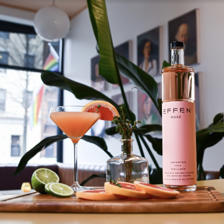 Kia's EFFEN Rosé Vodka Grapefruit Cocktail Photo credit: Solène Michel  Recipe credit: Kia Damon, Kia Feeds The People for use by 360 Magazine