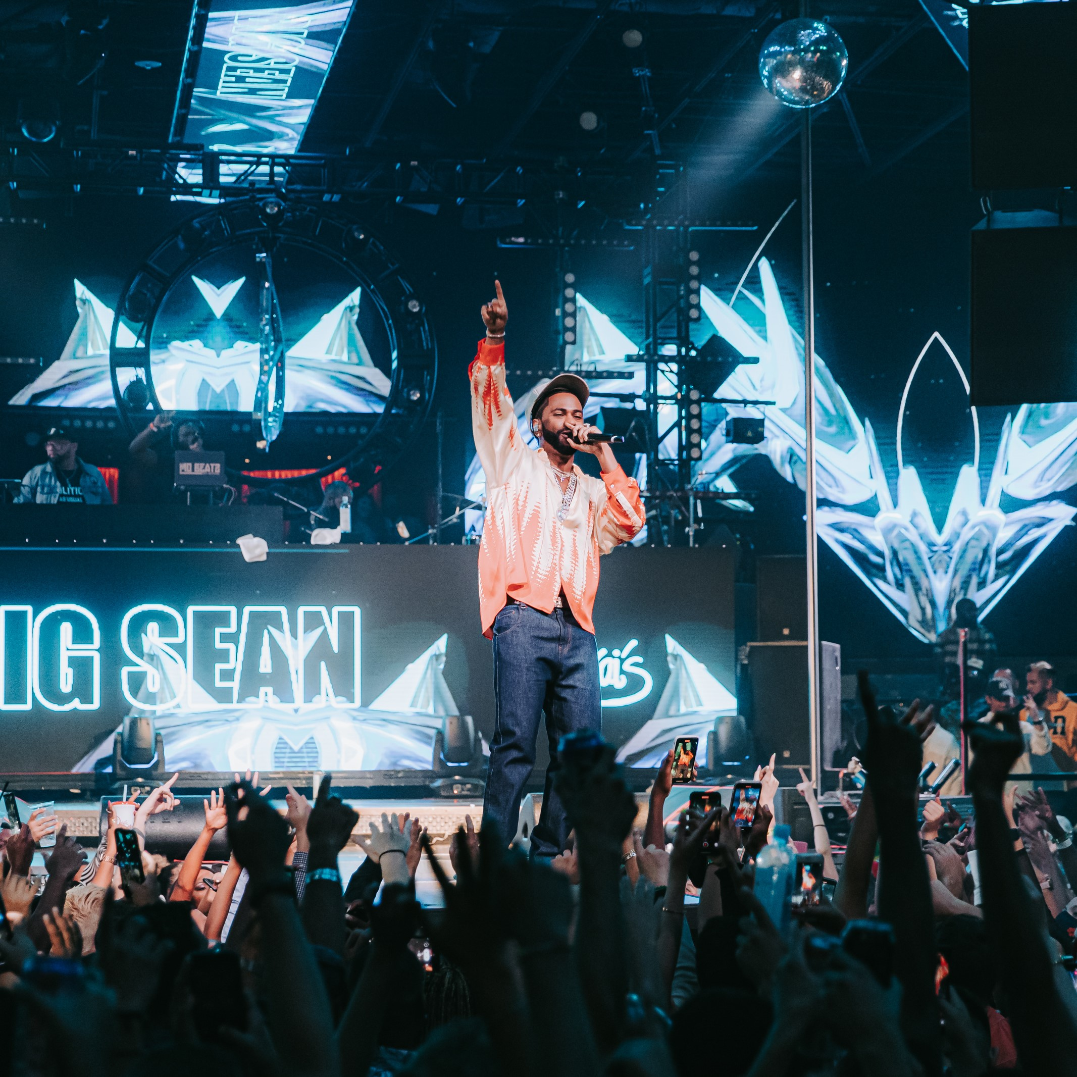 Big Sean at Drai's via Creative Collective for use by 360 Magazine