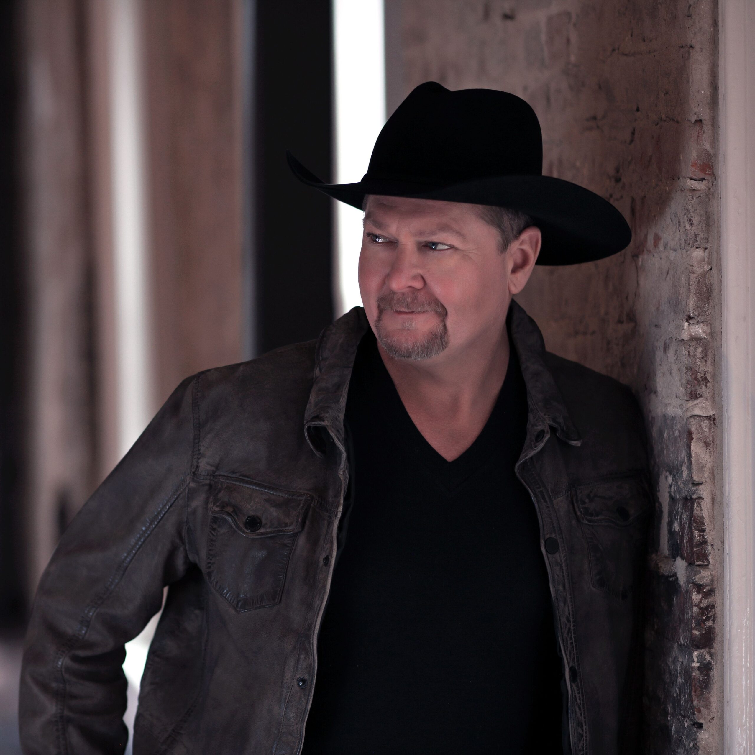 Tracy Lawrence via Jon-Paul Bruno for use by 360 Magazine
