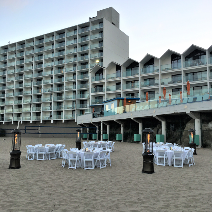 DRM Beach Dinner photo credit Molly Morrison use be 360 Magazine