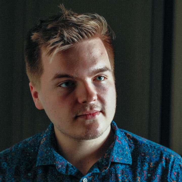 Caleb Lee Hutchinson 'Slot Machine Syndrome' from Emily Ginsberg, Big Hassle Media for use by 360 Magazine