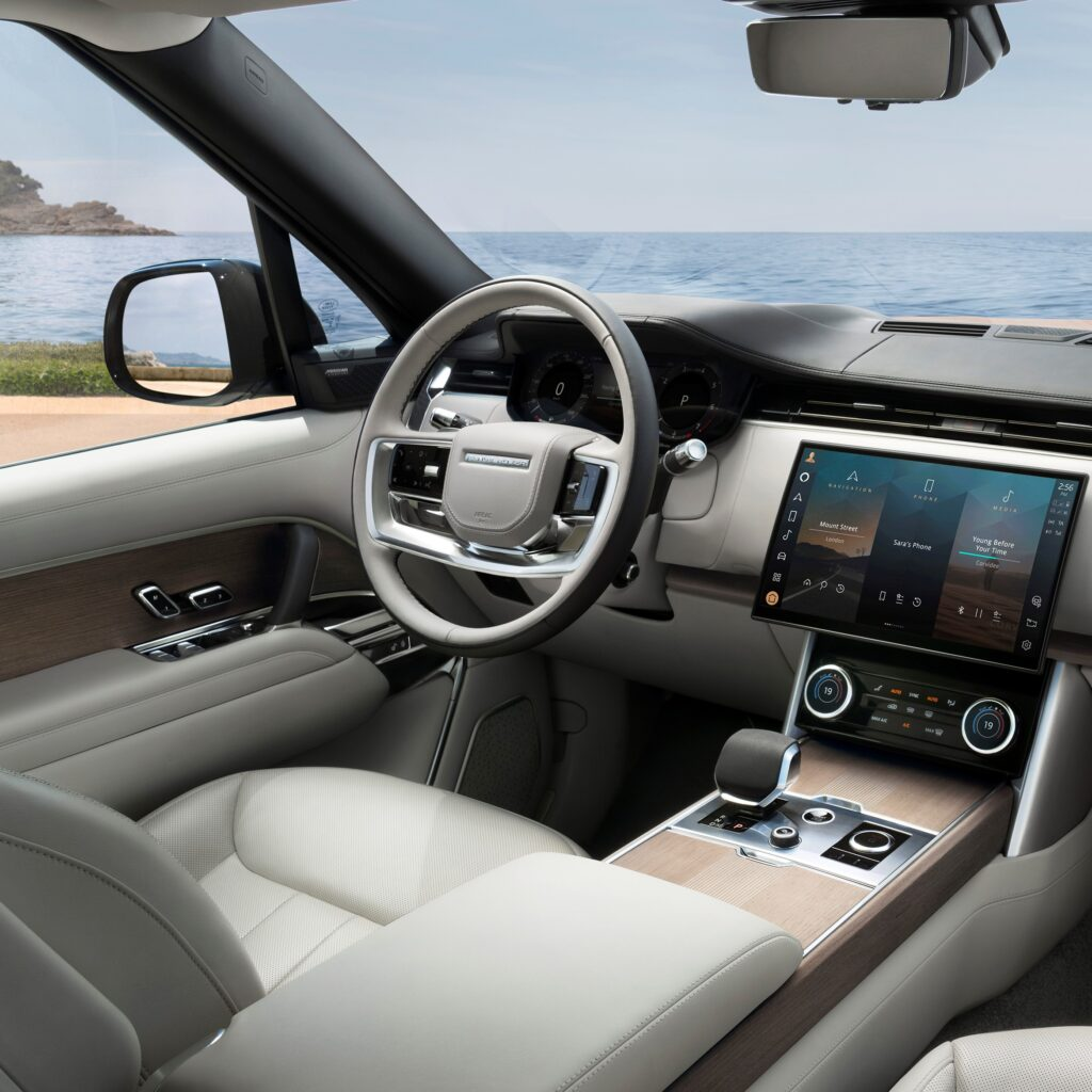 Range Rover Interior via Havas Formula for use by 360 Magazine
